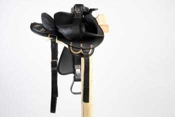 Down Under Synthetic Crossover Saddle with Genuine Sheepskin